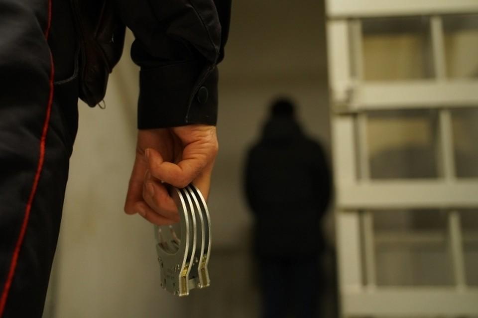 Девушка сообщила, что ее изнасиловал дежурный в отделе полиции Саратова