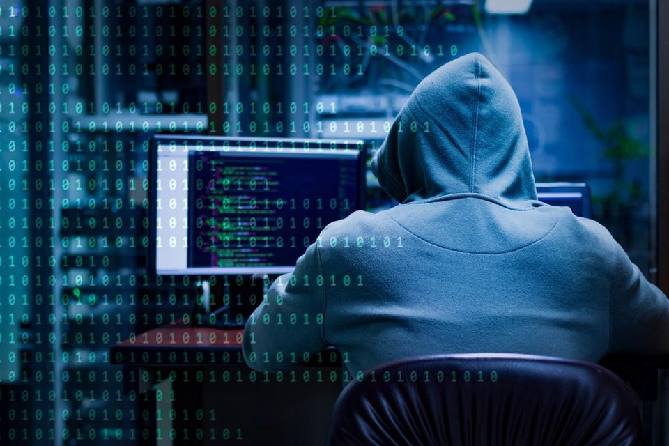 Специалисты полагают, что за операцией стояли хакеры из иранской компании Mahak Rayan Afraz.