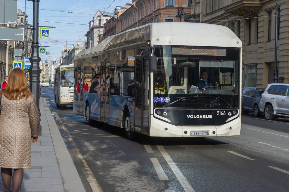 Новый парк на 400 электробусов появится в Петербурге.