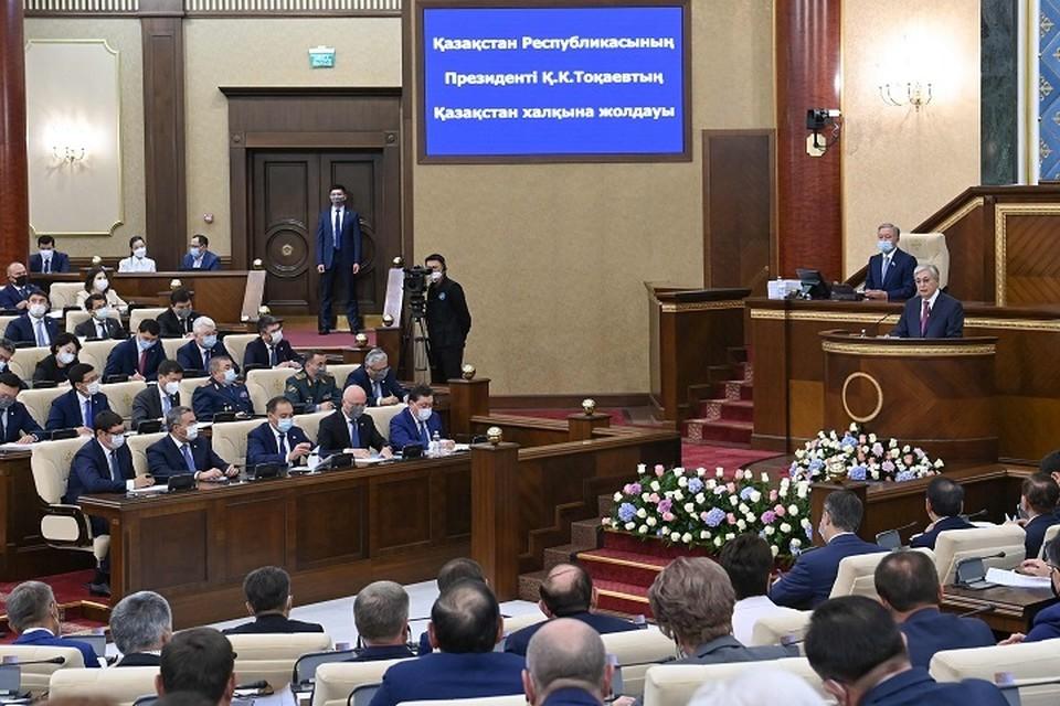 Обращаясь к народу Казахстана, президент назвал 30-летие Независимости высшей ценностью нашего государства.