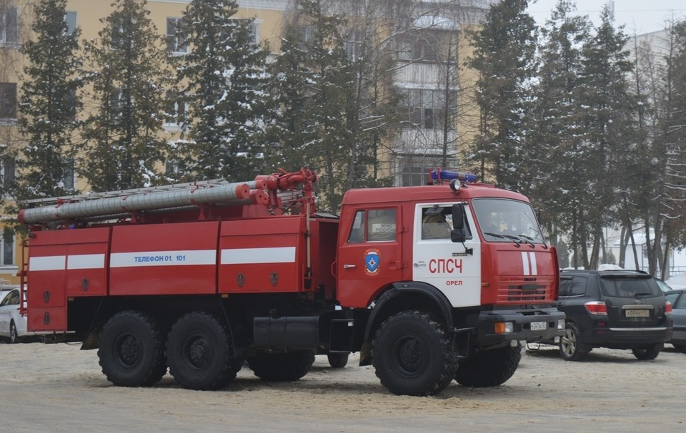 Орловцы сообщили в МЧС о подозрительных предметах