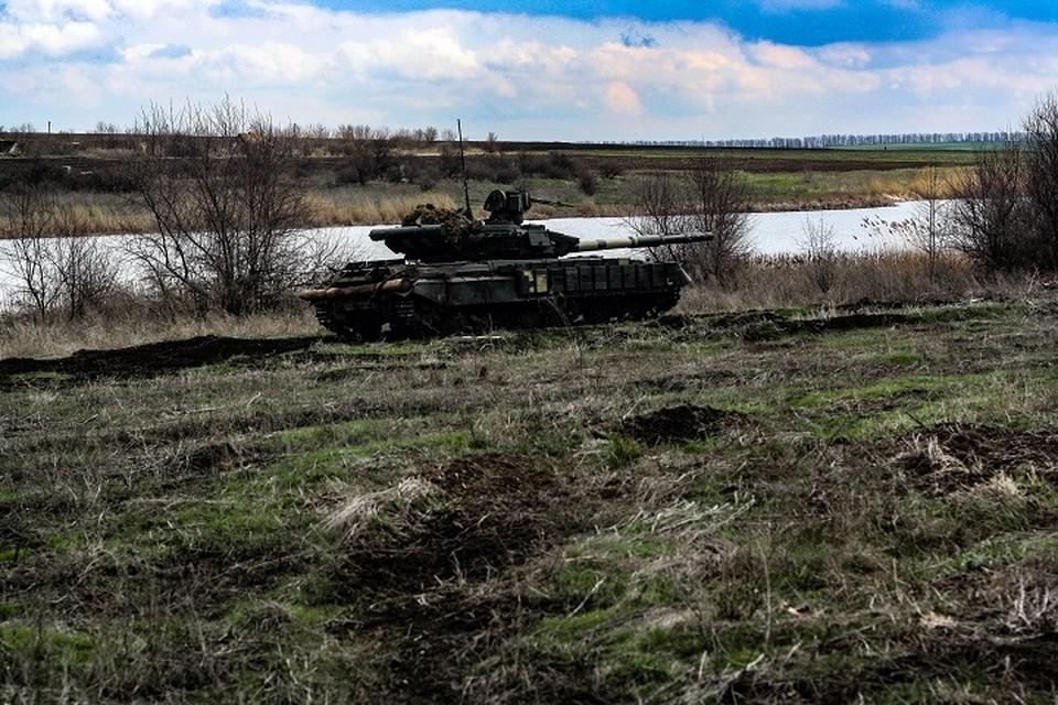 Вблизи населенных пунктов в Донбасс обнаружены украинские танки. Фото: штаб ООС