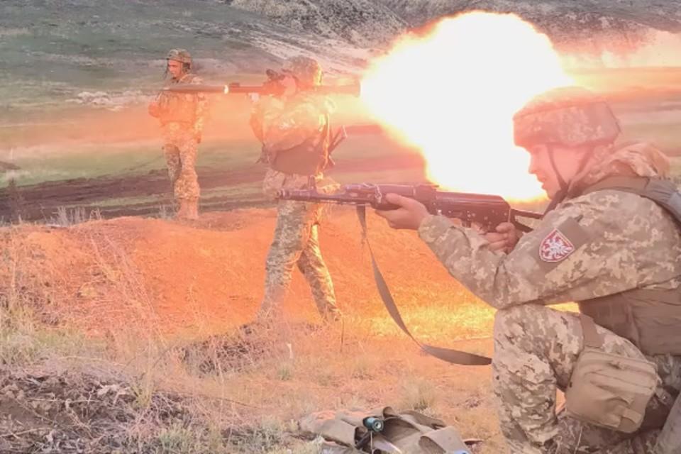 По Золотому украинские военные стреляли из гранатомета. Фото: Пресс-центр штаба «ООС»