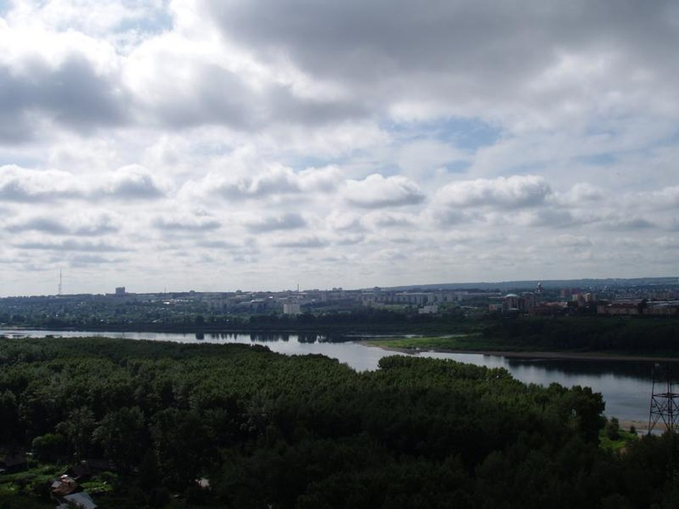 В Кемерове синоптики прокомментировали обмеление реки Томь. Фото: Администрация города Кемерово.