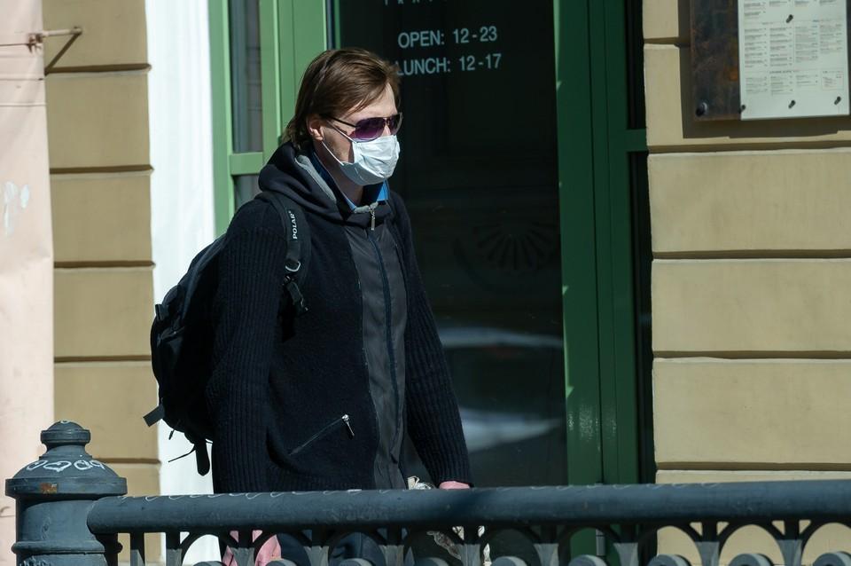 Суточный прирост заболевших коронавирусом сократился в два раза в Петербурге на 6 сентября