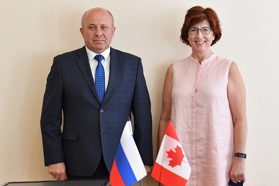 С послом Канады встретился мэр Хабаровска Сергей Кравчук