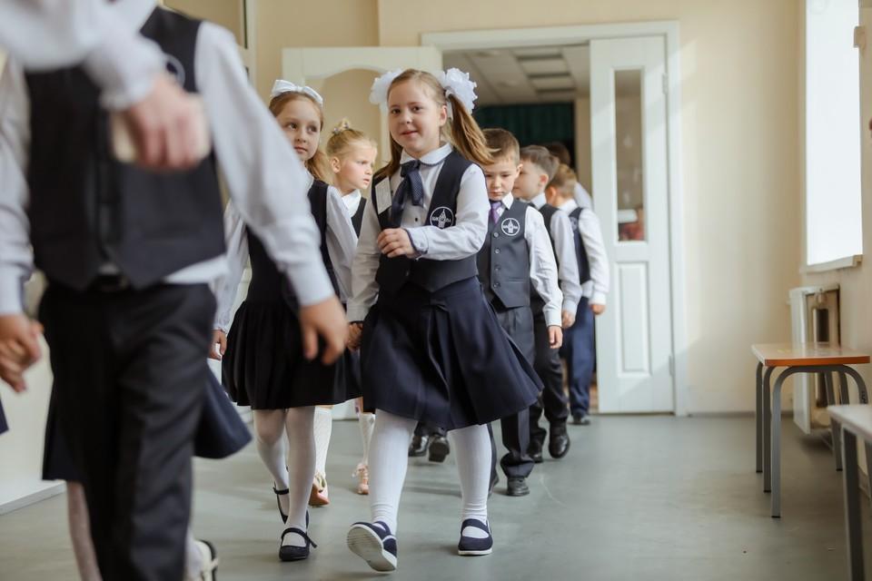 В школе, по словам жителей села, обучается детей более чем вдвое больше положенного