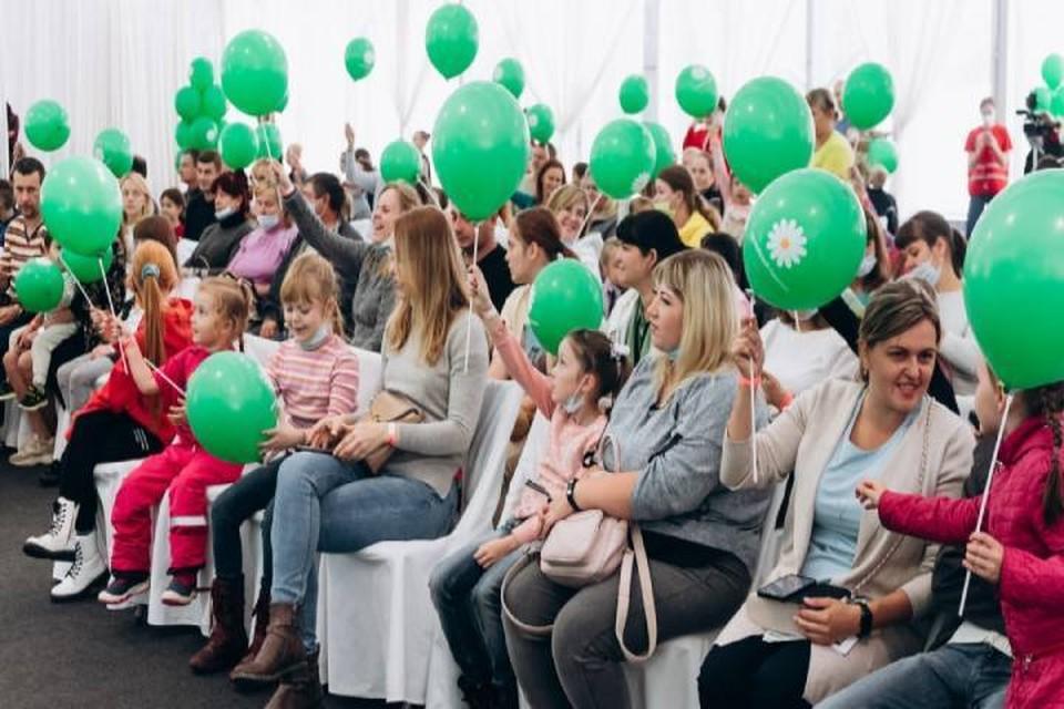 Приглашенные специалисты провели для молодых родителей мастер-классы и дали ценные советы. Фото: admkirov.ru