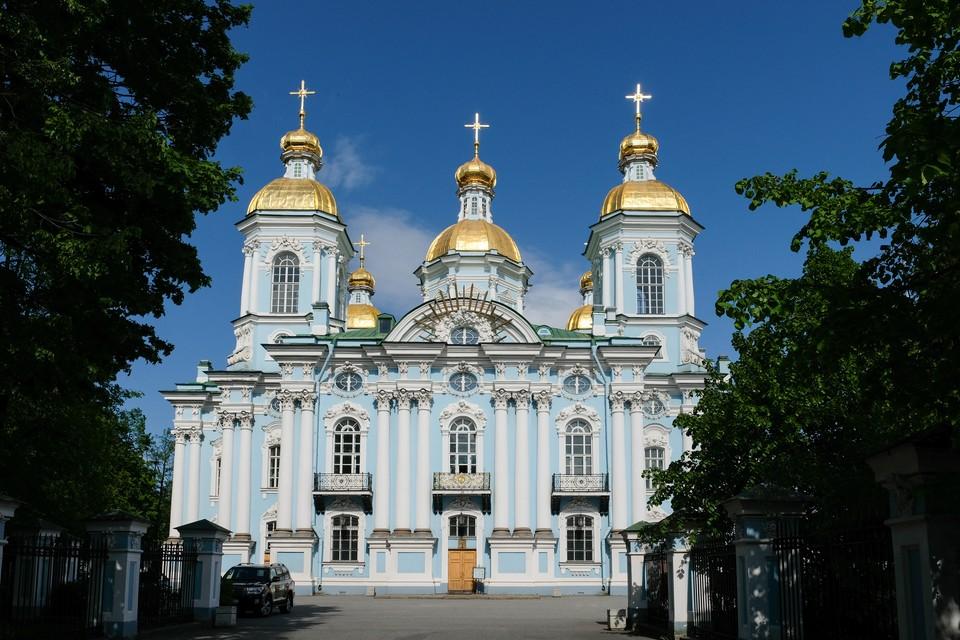 Полы церкви при Смольном соборе в Петербурге отреставрируют за 5,4 млн рублей