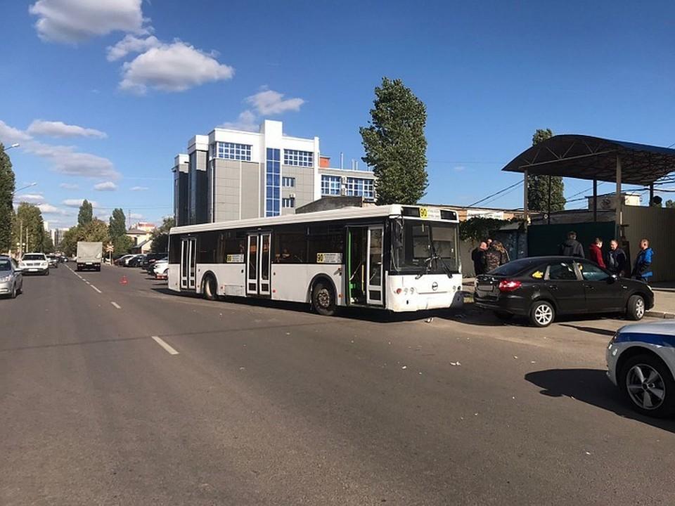 Автобус уже год не ездил по маршруту.