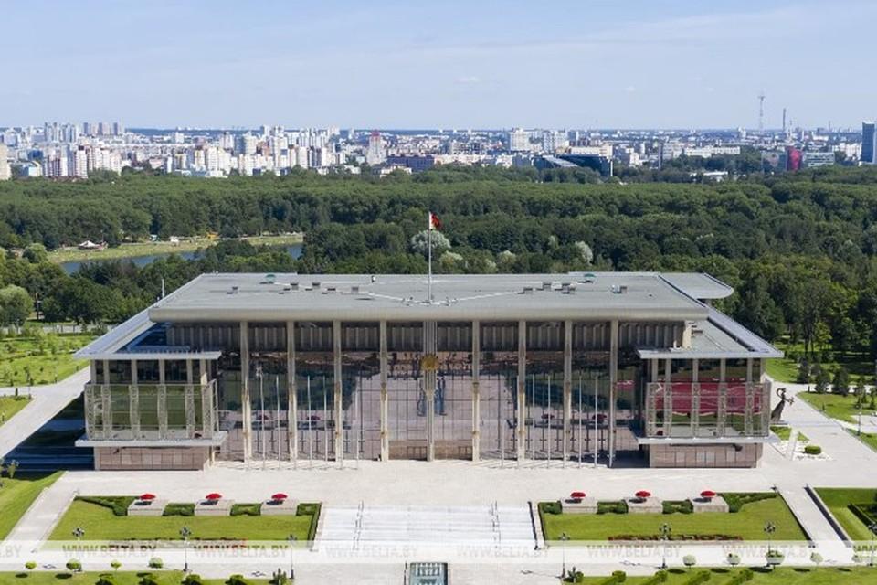 Лукашенко внес в парламент законопроект о приостановлении действия соглашения о реадмиссии с Евросоюзом. Фото: БЕЛТА