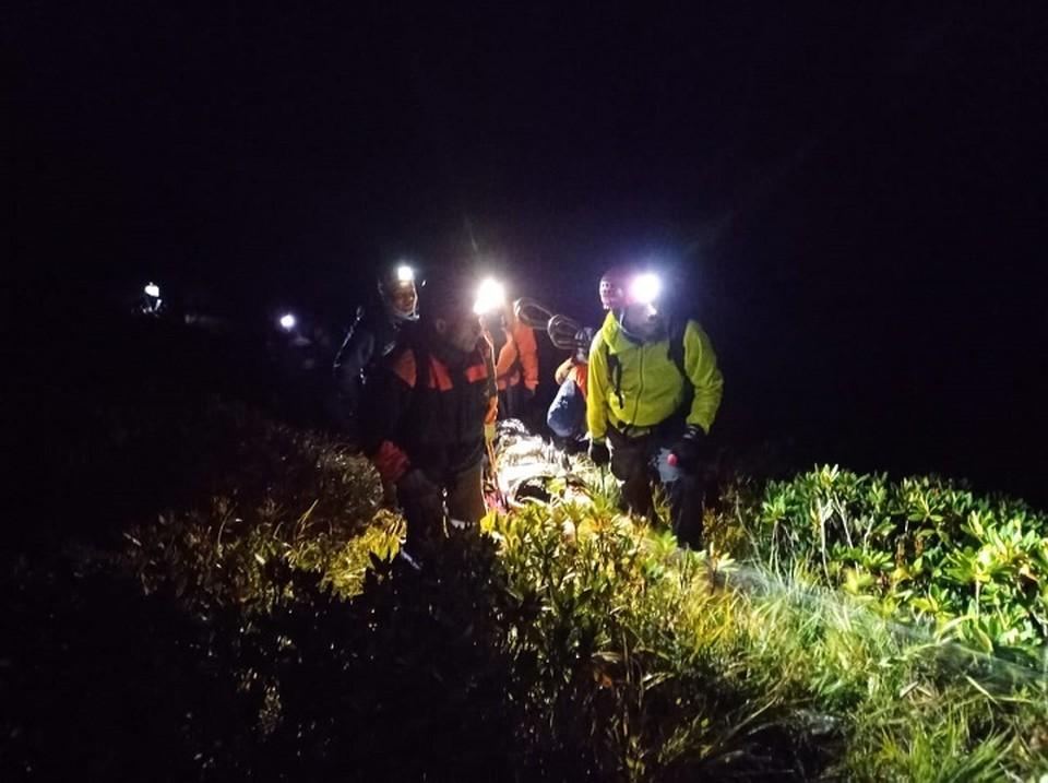 Спасатели эвакуировал туриста с горы Псеашха Сахарный. Фото: ЮРПСО МЧС России