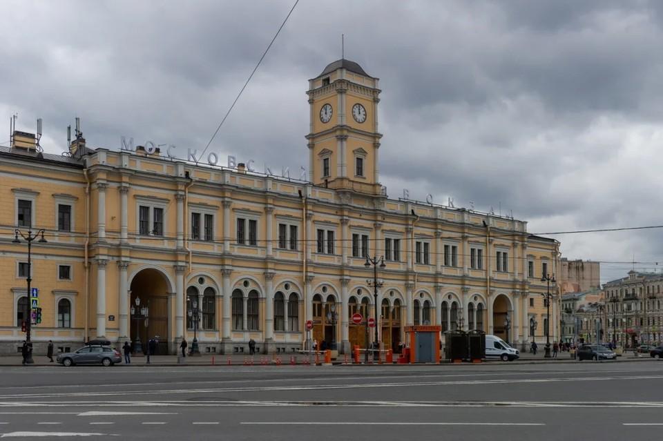 Московский вокзал в Петербурге расширят ради высокоскоростной магистрали между двумя столицами.