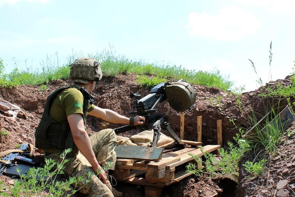 Огонь по поселкам велся из автоматического гранатомета АГС-17. Фото: Пресс-центр штаба «ООС»