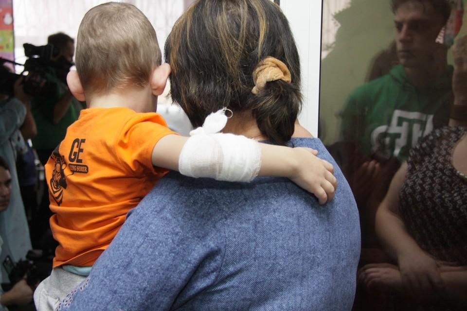 Лекарства передали в краевой клинический центр охраны материнства и детства