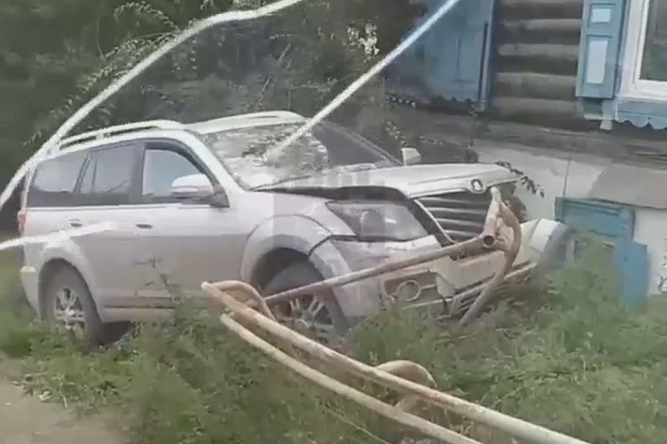 В Красноярске у водителя за рулем прихватило сердце. Фото: ЧП Красноярск