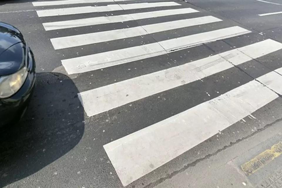 Сейчас местные жители частенько перебегают дорогу там, где этого не стоит делать.
