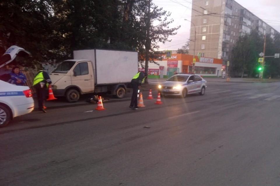 Сейчас полиция ищет неустановленного водителя. Фото: отделение пропаганды ГИБДД по Екатеринбургу