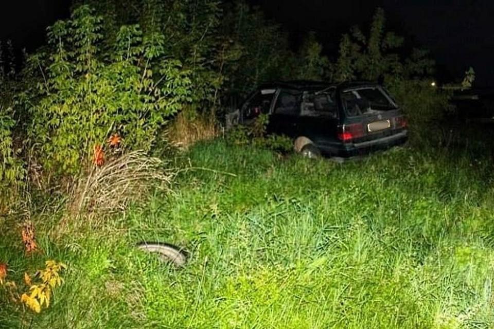 """Водитель """"Фольксваген"""" не справился с управлением на повороте. Фото: УСК по Гродненской области"""