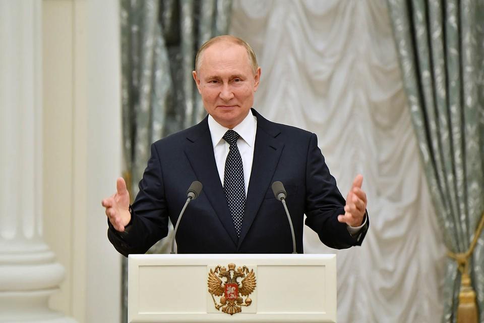 Владимир Путин принял в Екатерининском зале Кремля победителей токийской паралимпиады.