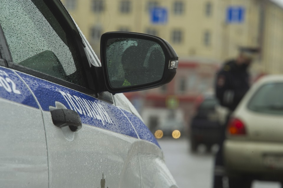 Водитель мотоцикла влетел в легковушку, поворачивающую с улицы Пушкина