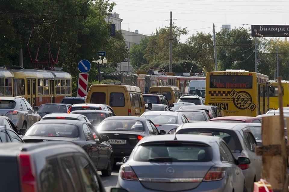 Из-за отключения света Екатеринбург застыл в пробках