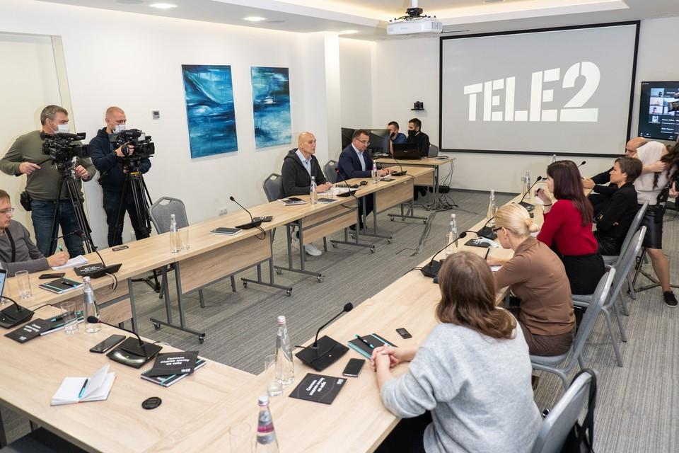 Руководитель компании отметил, что Tele2 делает услуги на рынке прозрачными. Фото: Tele2