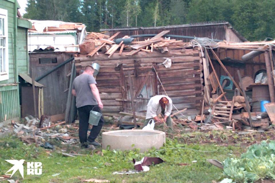 От стихии 2августа пострадали 63 дома, некоторые были разрушены практически полностью.