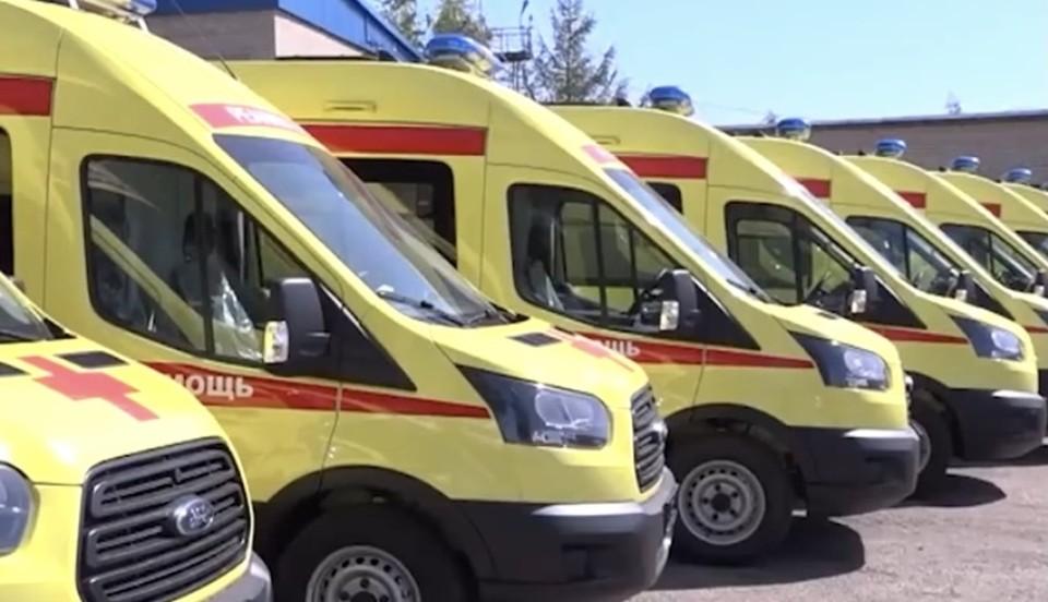 22 машины скорой помощи и 25 школьных автобусов поступят в Смоленскую область. Фото: пресс-служба администрации Смоленской области.