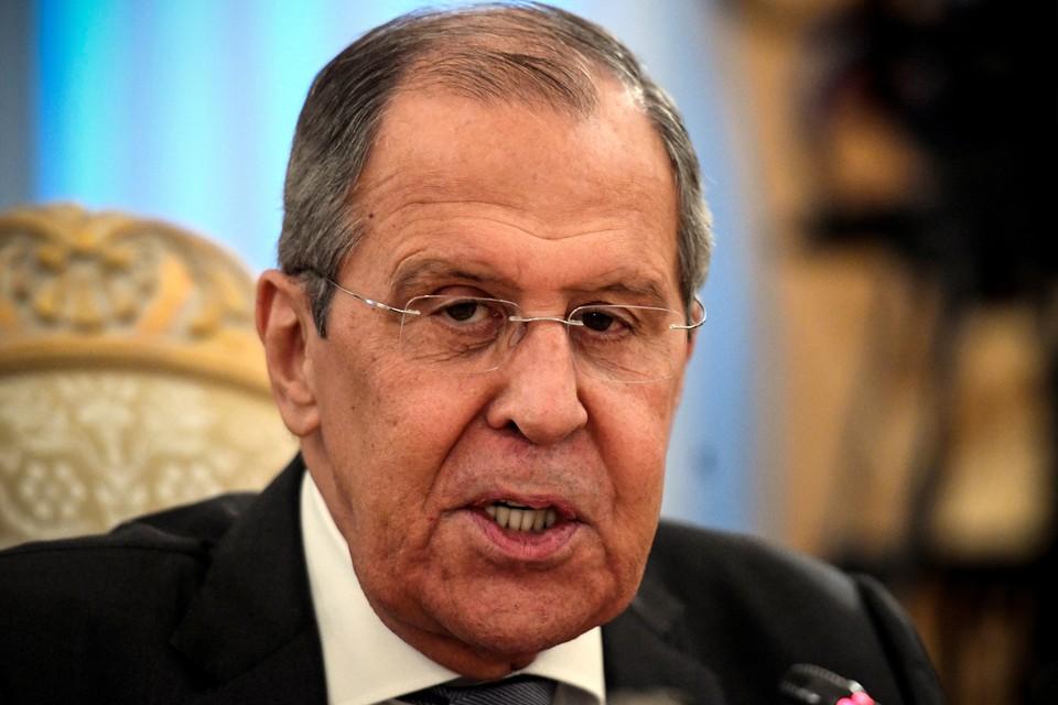 Лавров призвал Киев «иметь какое-то свое достоинство»