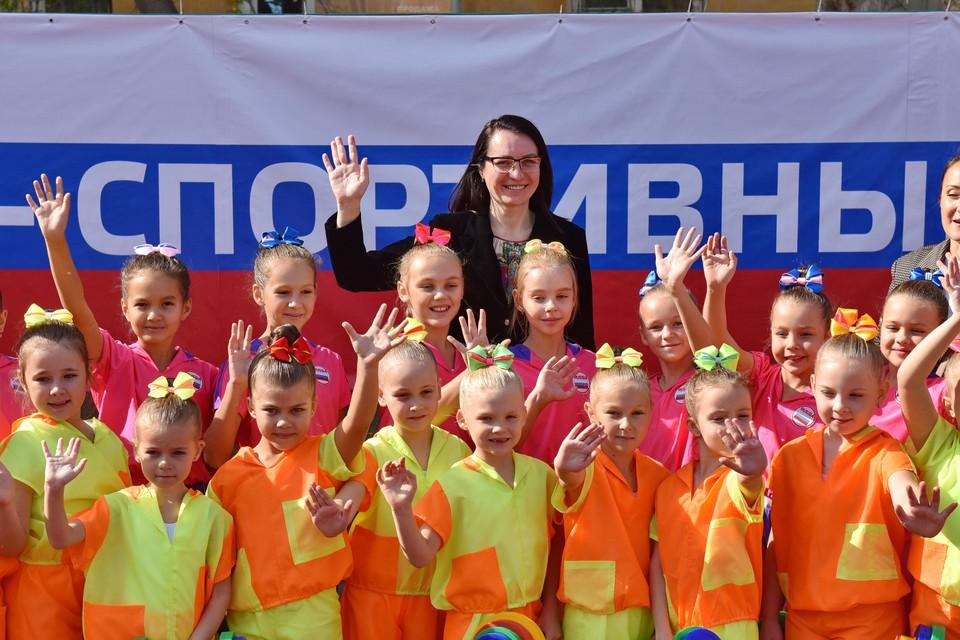 Мэр Омска Оксана Фадина открыла новую спортплощадку в Нефтяниках