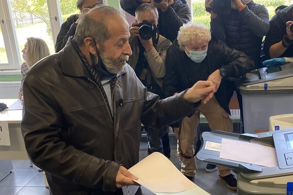 Вишневский заявил, что Смольный виноват в нарушениях на выборах