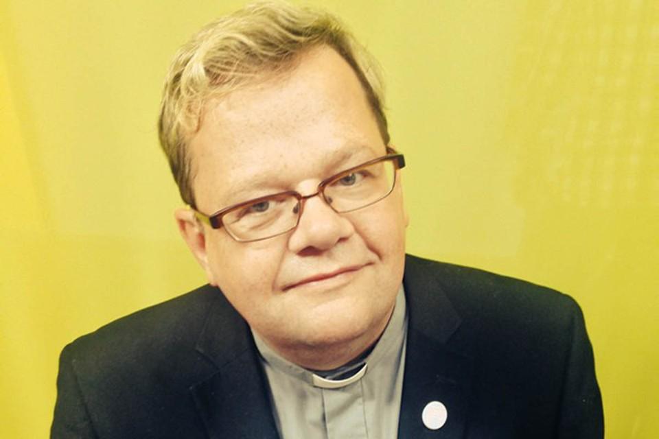Как пишет издание Gоteborgs-Posten, речь идет о 56-летнем Ларсе Гардфельдте из прихода Карла Йохана в Гетеборге.