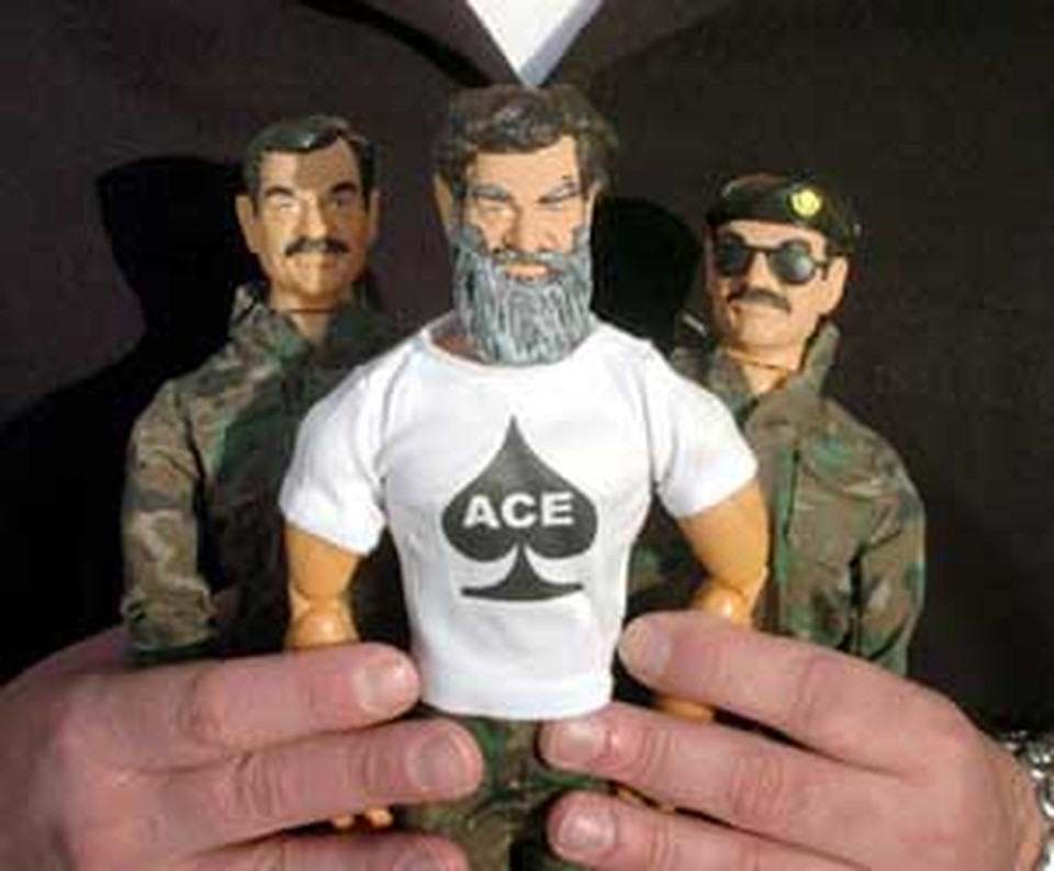 Хит продаж: сувениры с головой диктатора и телом Рэмбо.