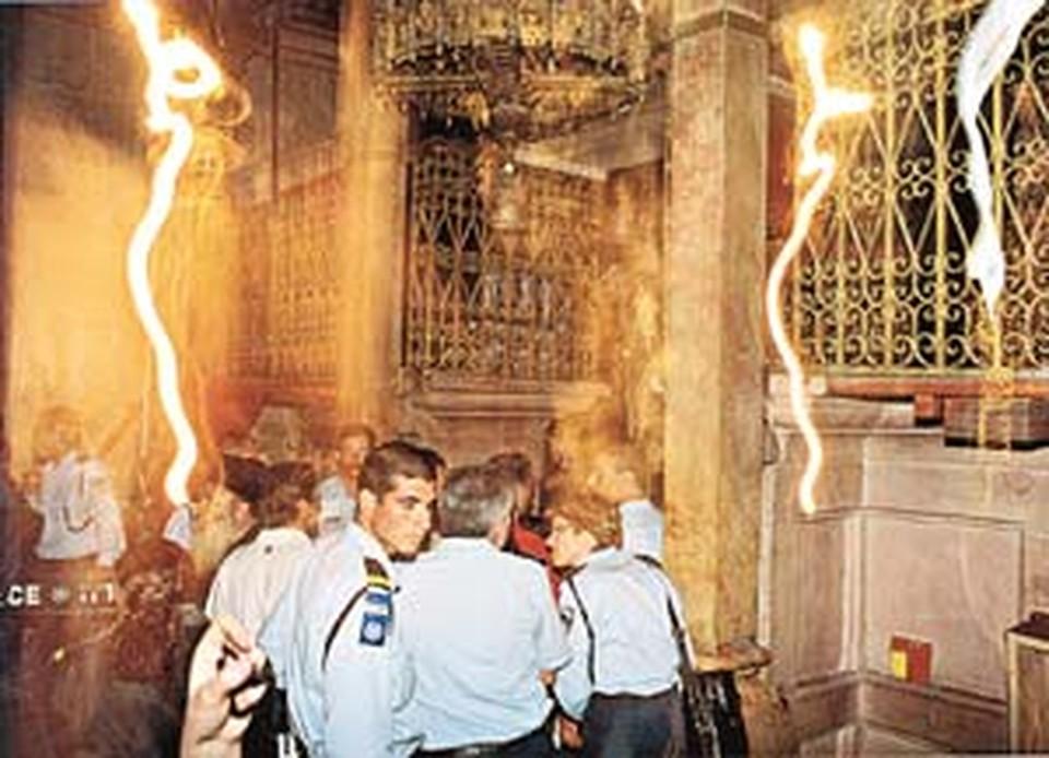 Ученые до сих пор не могут объяснить природу сполохов и свечений, наблюдаемых во время церемонии Схождения.