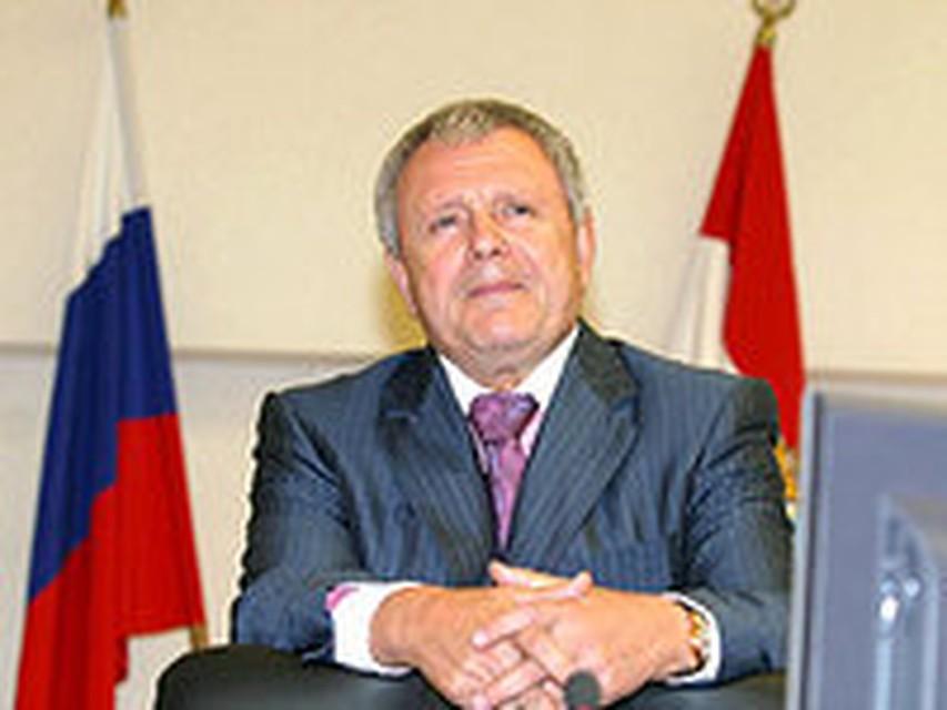 Мэру Волжского вручили медаль за поддержку офицерского собрания в городе