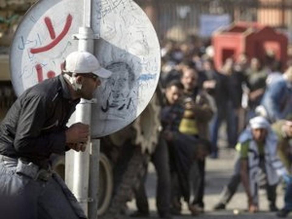 Протестующая оппозиция Египта все-таки добилась своего - Мубарак покинул страну