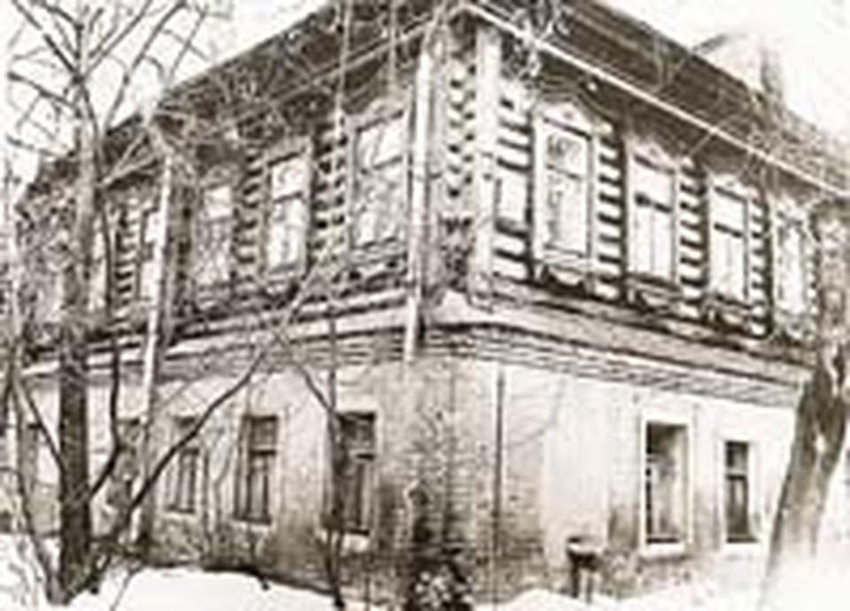 «Памятник истории»,  дом Тарковского, в середине 80-х годов.