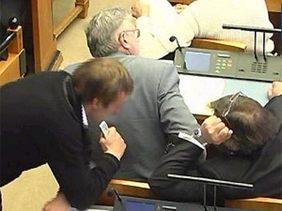 Эстонский парламент снова избрал Ильвеса президентом