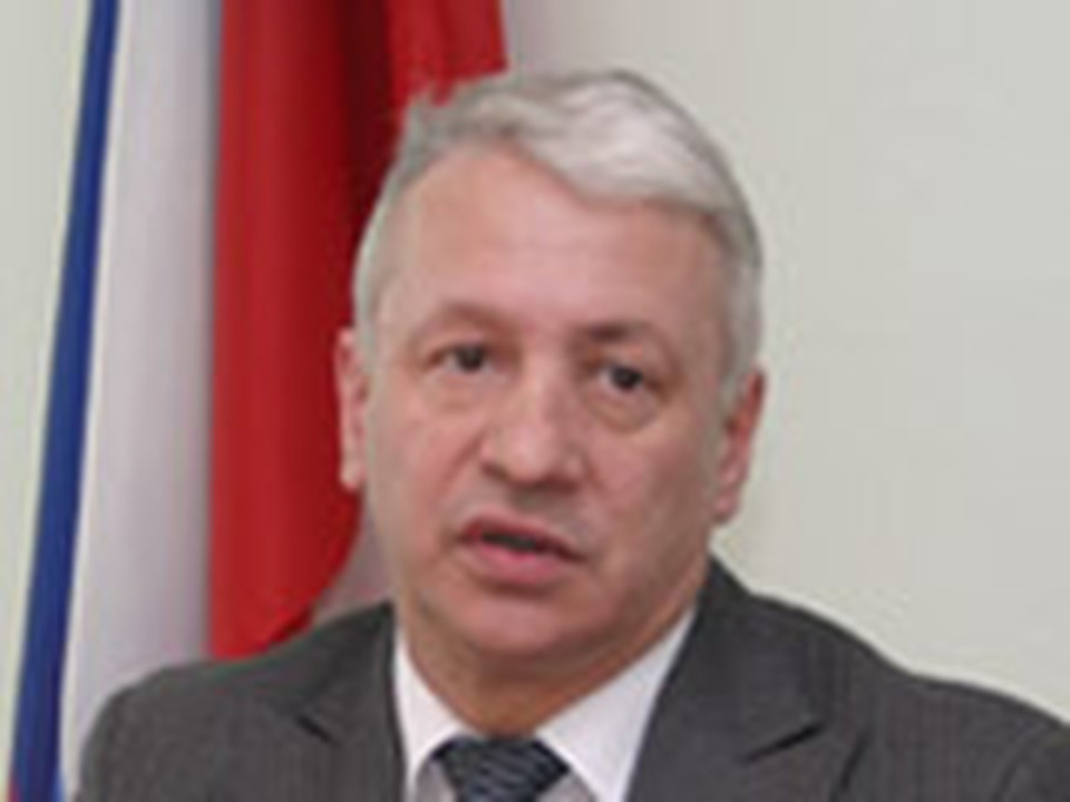 Появилась информация, будто амурскому губернатору в течение дня президент Медведев подпишет заявление об отставке по собственному желанию.
