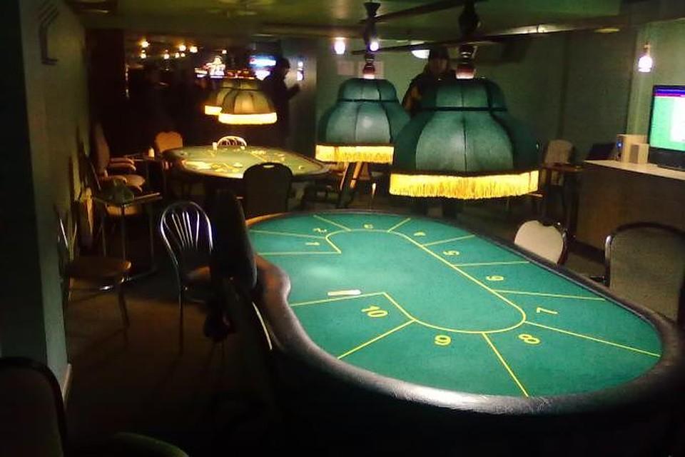В калининграде подпольное казино брэд питт грабит казино