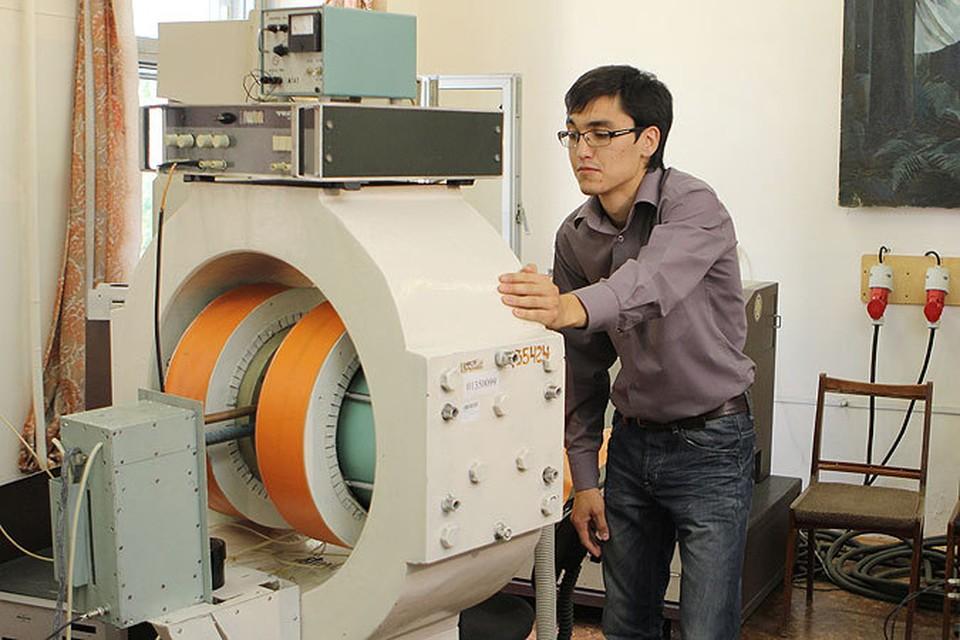 Магнитный холодильник частично собирали в лаборатории ЧелГУ.