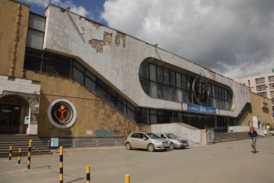 """Дворец спорта """"Орленок"""" давно требует реконструкции."""