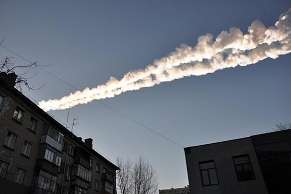 Так что вместе с метеоритными осколками на нас льется поток о…ть и е…ться
