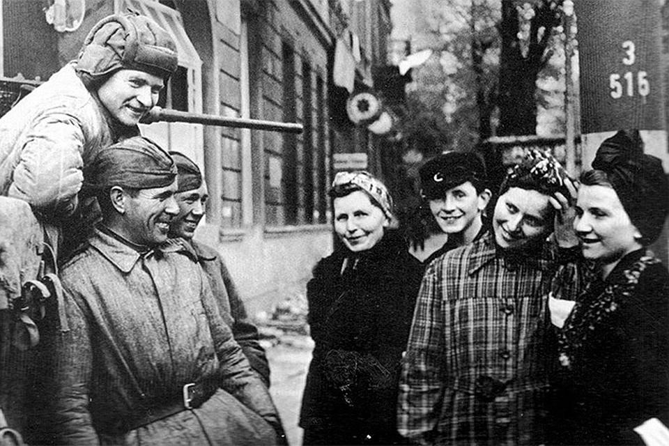 Голая Грудь Нуцы Кухианидзе – 27 Украденных Поцелуев (2000)