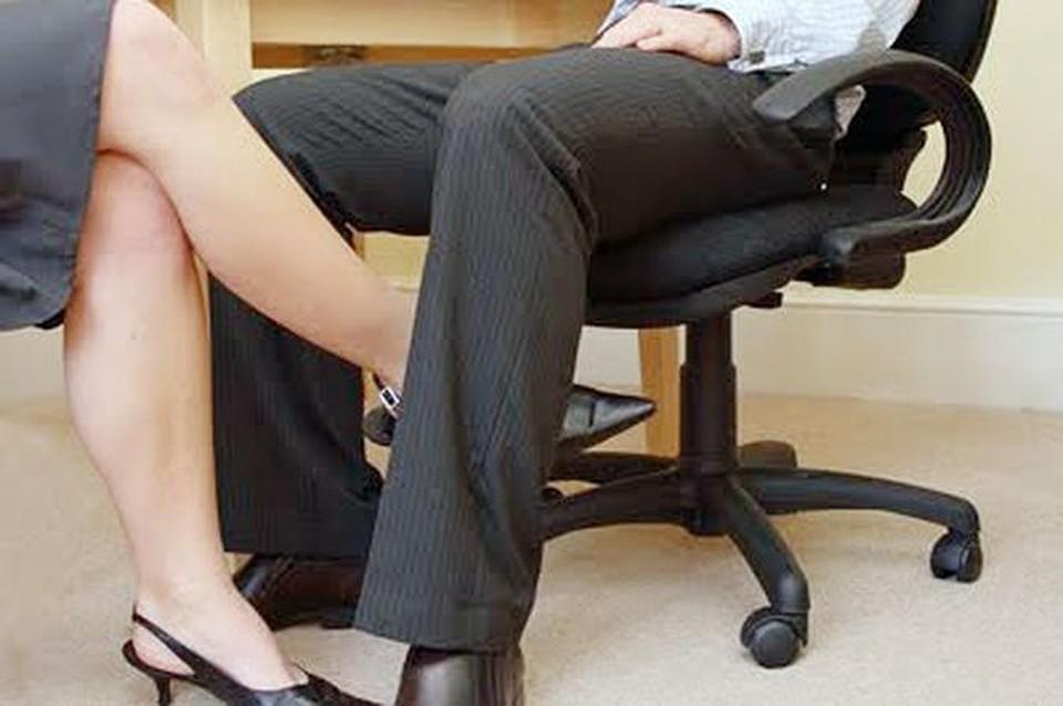 В кабинете судьи секс