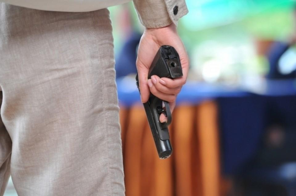 Кисловодчанин ездил по городу с самодельным пистолетом.