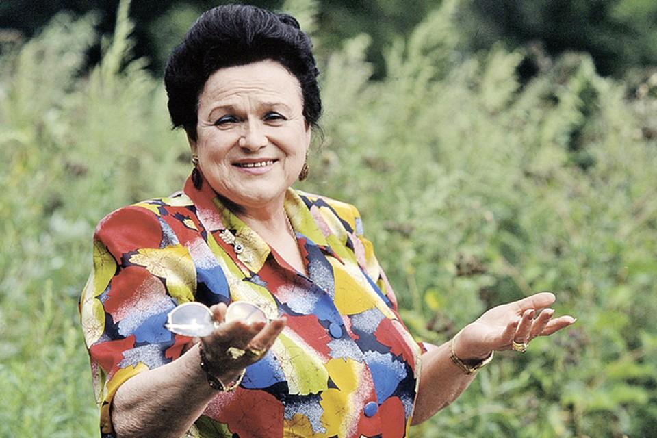 Людмила Зыкина оставила огромное наследство, но не оставила завещания. И теперь вокруг ее денег и драгоценностей раскручивается настоящий детектив.