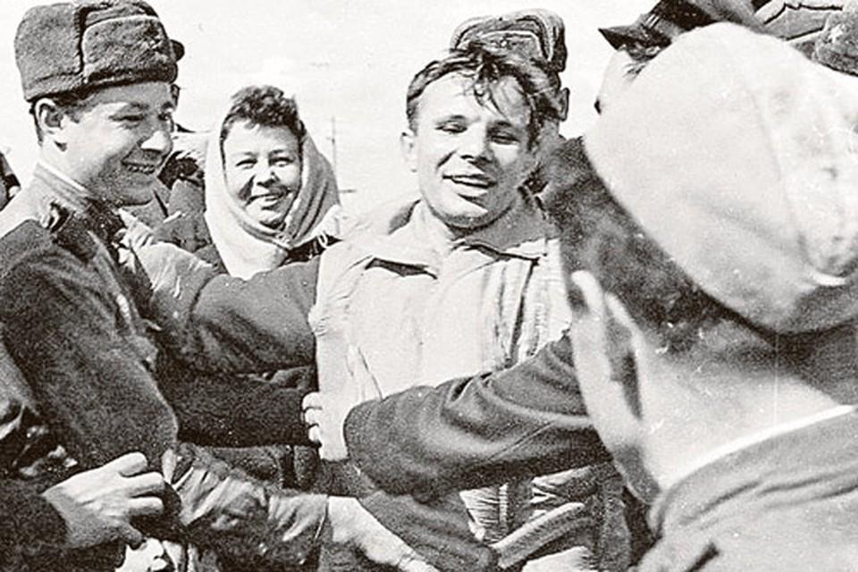 За два дня до старта Гагарин написал письмо жене Валентине Ивановне и дочерям.