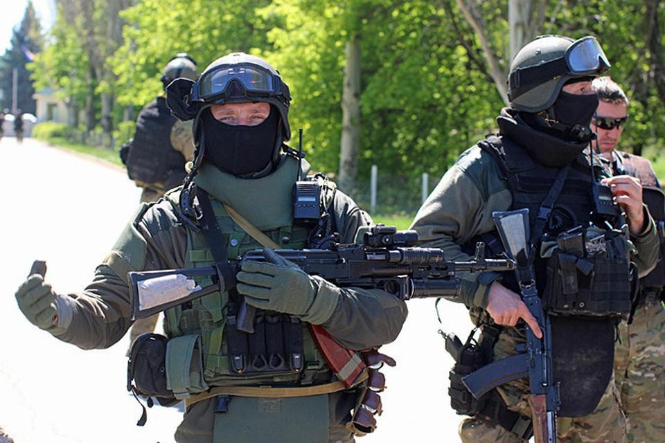 В аэропорту Краматорска Донецкой области, который находится под контролем украинской армии, слышна стрельба, сообщили местные жители